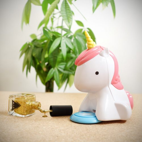unicorn-nail-dryer_1-500x500